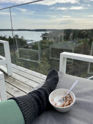 Söndagsfrukost på balkong