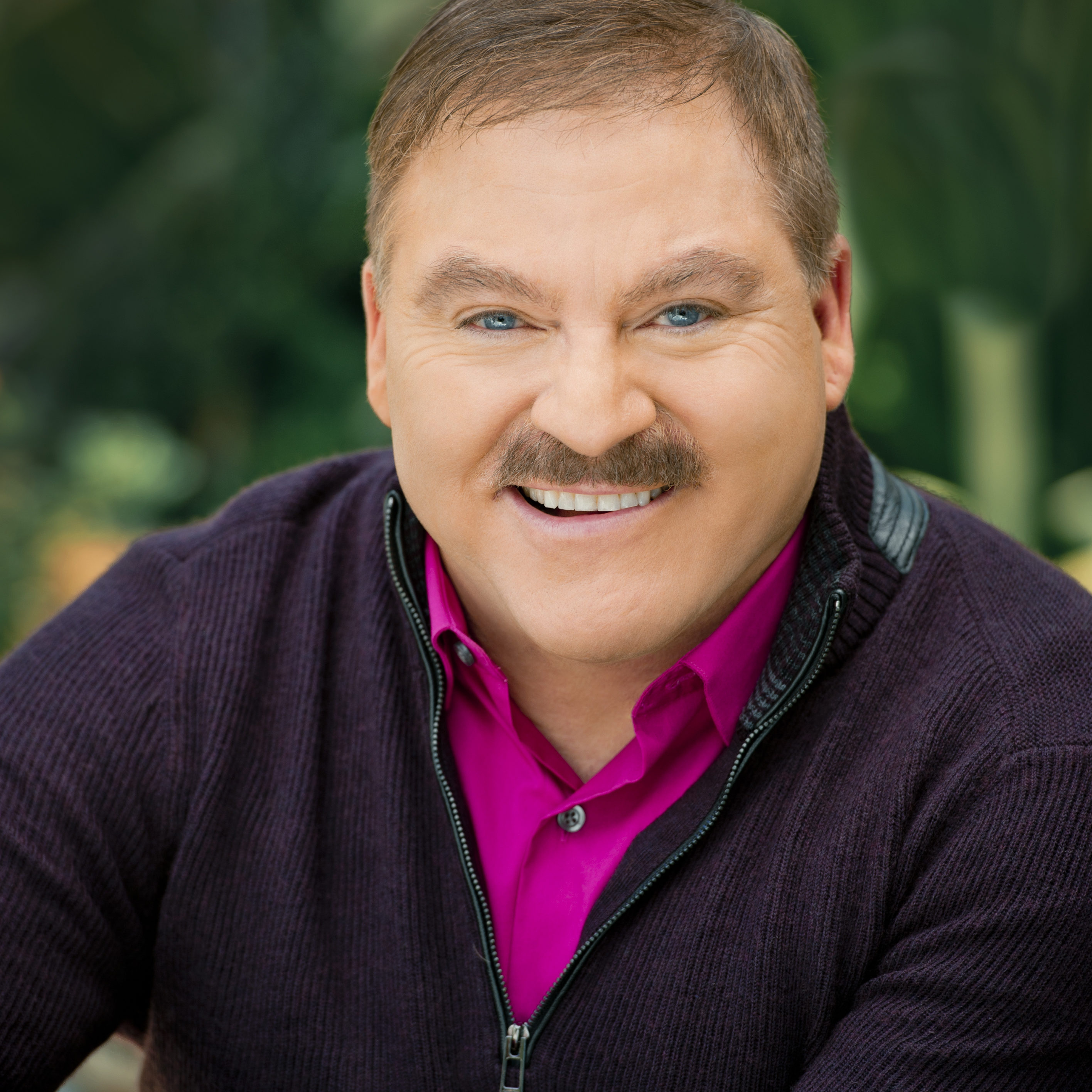 James Van Praagh ©Credit Barry J Holmes_  WE RESERVE THE RIGHT TO INCREASE REPRODUCTION FEES BY 50% FOR ANY CREDIT OMITTED PLEASE AGREE FEE BEFORE USAGE Images may not be used in any electronic or online edition without separate agreement. Restrictions : This image is subject to Idols standard terms and conditions of reproduction and delivery. The Client will not edit or alter the material without Barry J Holmes prior written consent.